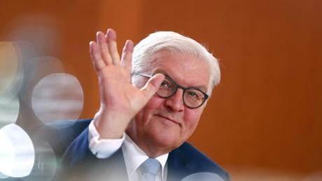 Frank-Walter Steinmeier tritt offiziell vom Außenministerposten zurück
