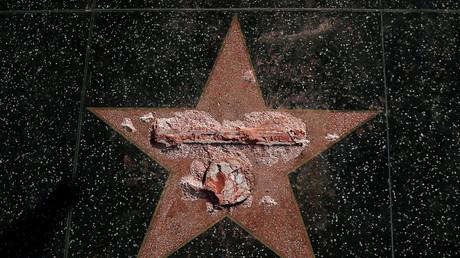 Vandalismus an Donald Trumps Stern am Walk of Fame: Die Traumfabrik lässt keinen Zweifel daran, was sie vom neuen US-Präsidenten hält.