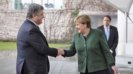 Der ukrainische Präsident Poroschenko und Kanzlerin Merkel während des Treffens in Berlin am 30. Januar 2017.