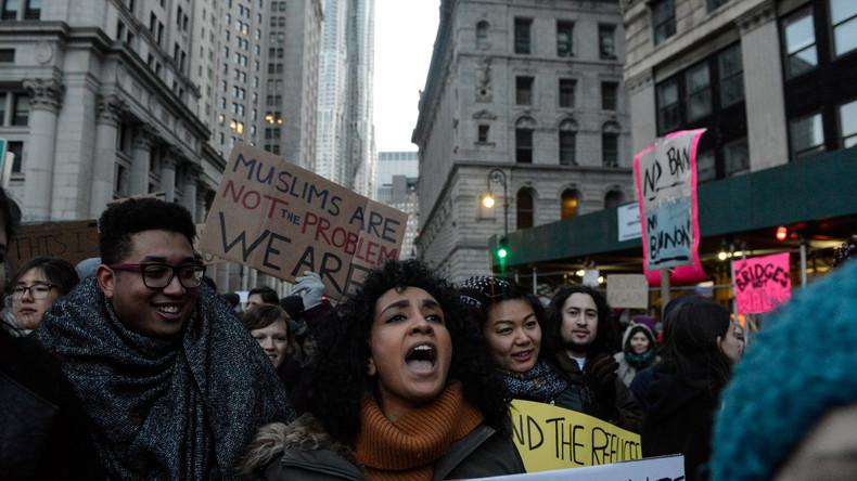 """""""Postfaktische Zeit"""": Empörung über Trumps """"Muslim-Bann"""" aber nicht über ähnliche Dekrete von Obama"""