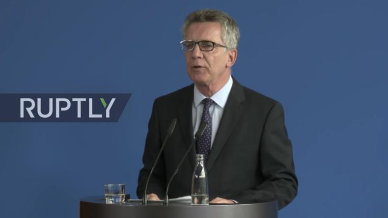 Live: De Maziere gibt Presseerklärung zu Festnahmen von mutmaßlichen IS-Anhängern und Datenschutz