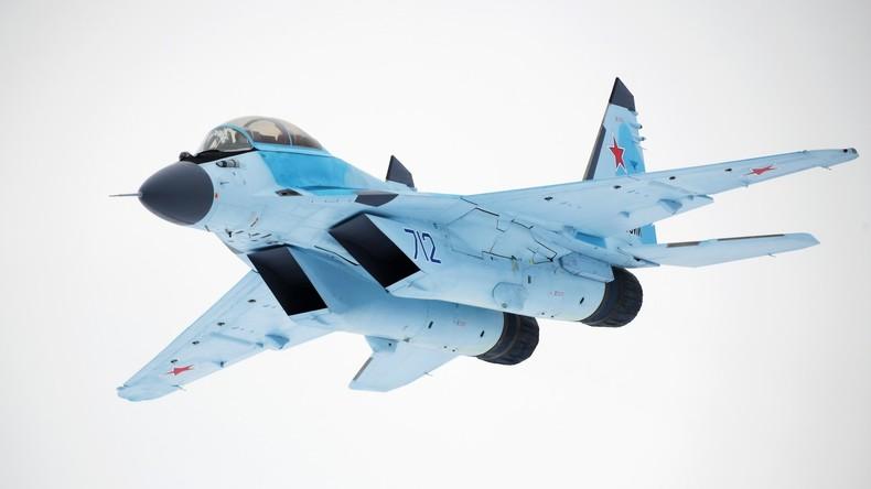 RT 360°: Das neue Jagdflugzeug MiG-35 wird präsentiert
