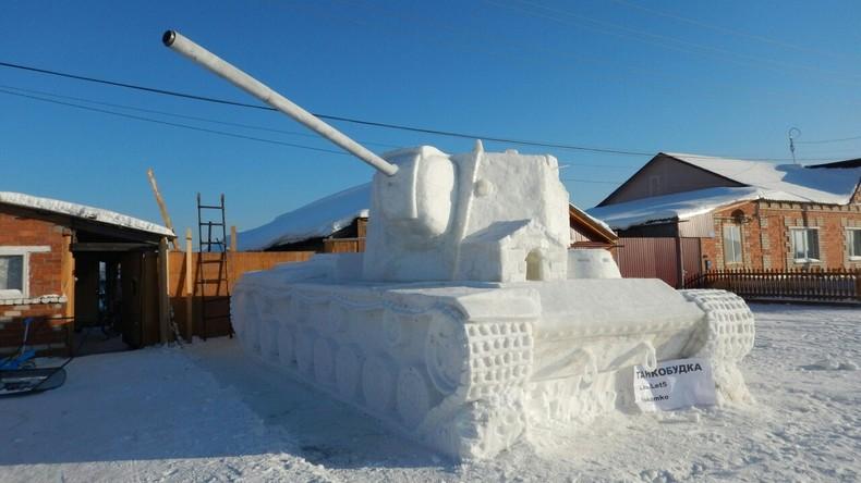 Russische Gamer bauen 60 Tonnen schweren Schneepanzer