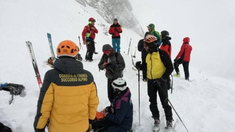Rettungseinsatz in den Alpen – alle Skiläufer lebend geborgen