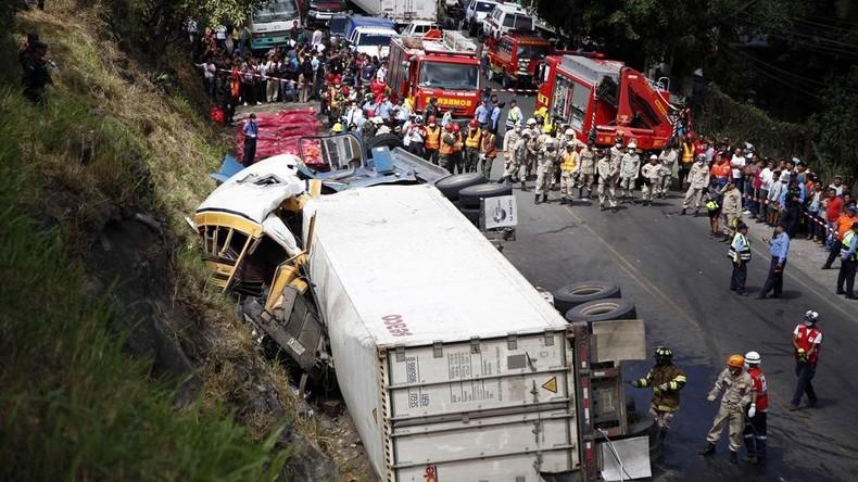23 Menschen im Schulbus bei schwerem Unglück in Honduras gestorben