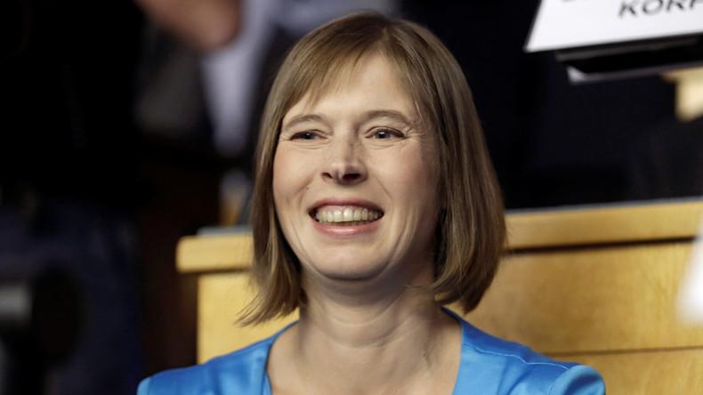 Estnische Präsidentin legt 50-Kilometer-Strecke bei Ski-Marathon in Finnland zurück