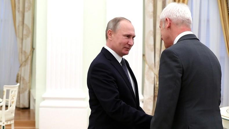 Volkswagen schenkt Putin ein Auto