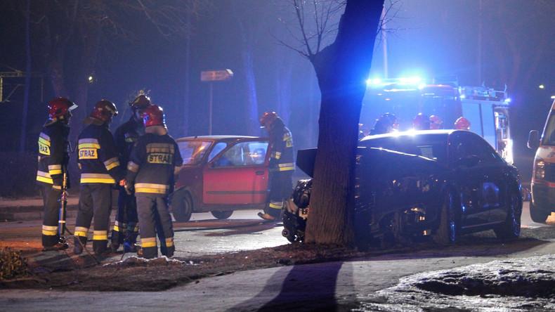 Polens Ministerpräsidentin Beata Szydło nach Verkehrsunfall ins Krankenhaus eingeliefert