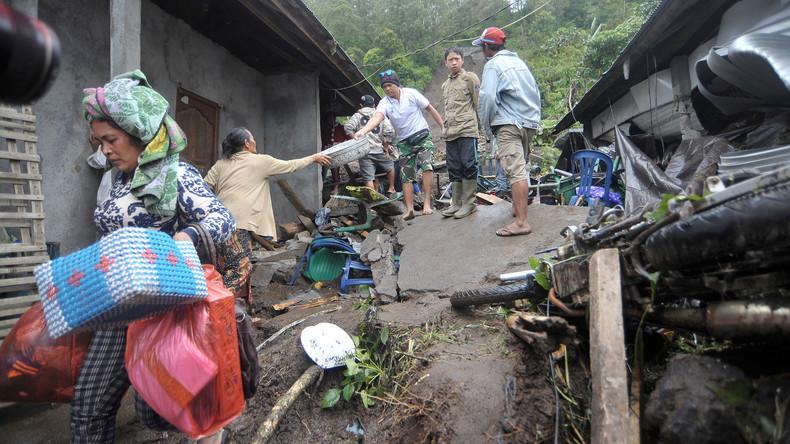 Indonesien kämpft gegen starke Überschwemmung in zentralen Teilen des Landes