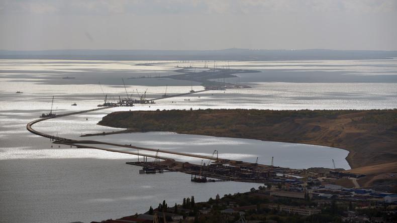 Kosmonaut Oleg Nowizki postet ein Foto der Krim-Brücke aus der ISS-Perspektive