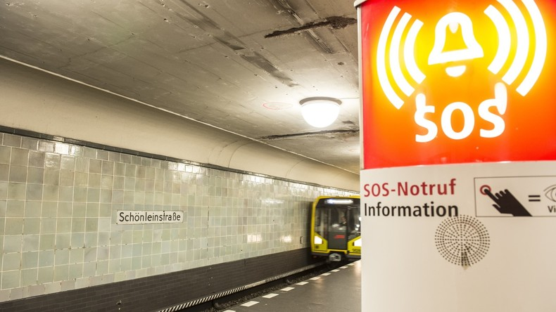Berliner Polizei ermittelt wegen brutalen Angriffs in U-Bahn