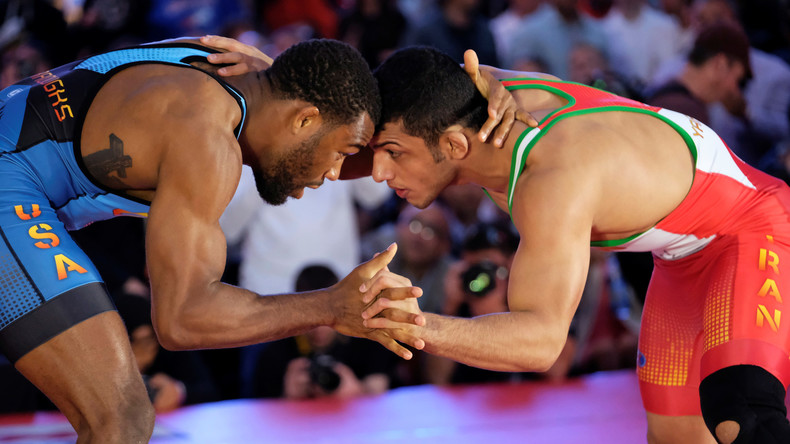 Blumen und Selfies mit dem Erzfeind: Herzlicher Empfang für US-Sportler im Iran