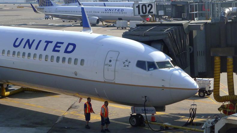 US-Pilotin macht sich über Trumps Politik und ihre Scheidung vor Fluggästen Luft und wird ersetzt