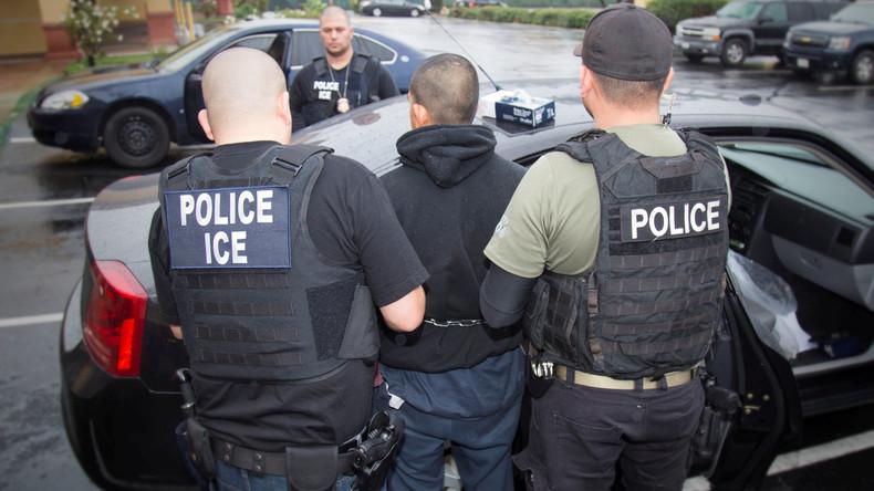 US-Polizei und Zollbehörde nimmt fast 700 Menschen wegen Verdachts auf Staatsgefährdung in Gewahrsam