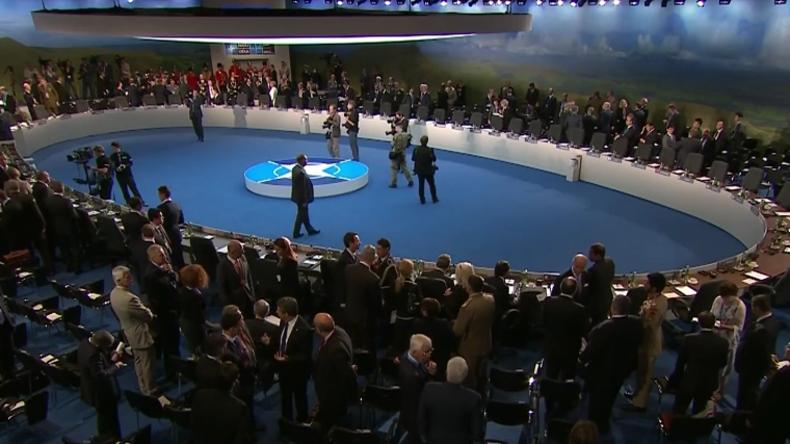 Live: US-Verteidigungsminister Mattis und Jens Stoltenberg geben erste gemeinsame Pressekonferenz