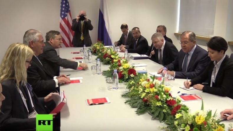 Mit Spannung erwartet und RT Deutsch war mit dabei: Lawrow triff auf Tillerson
