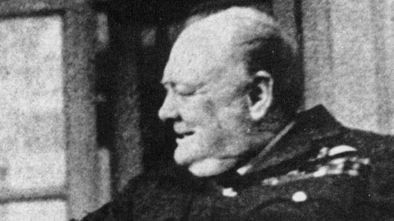 """""""Sind wir allein im Universum?"""" - Churchills verlorener Essay zu Außerirdischen entdeckt"""