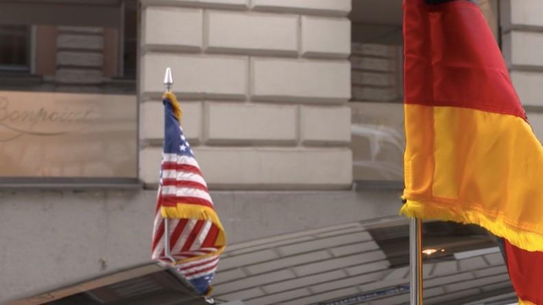 Sicherheitskonferenz in München: Merkel und Pence rufen zur Aufrüstung auf