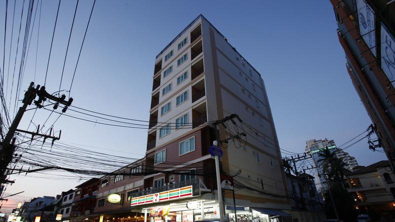 Deutscher Tourist überlebt Sturz vom Dach eines achtstöckigen Hotels in Thailand