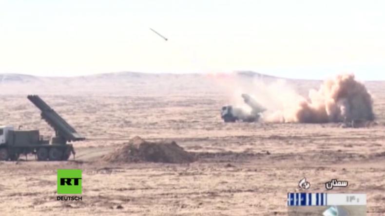 Bild zeigt Raketentests des Iran.
