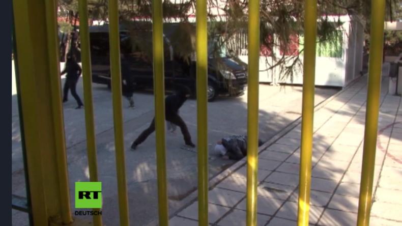 Protest gegen Flüchtlingskinder an griechischer Grundschule