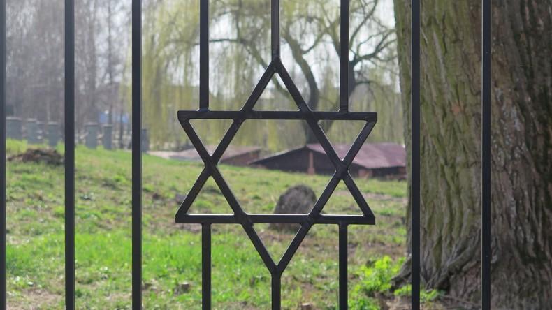 Moslems in USA haben 66.000 Dollar für Wiederaufbau des geschändeten jüdischen Friedhofs gesammelt
