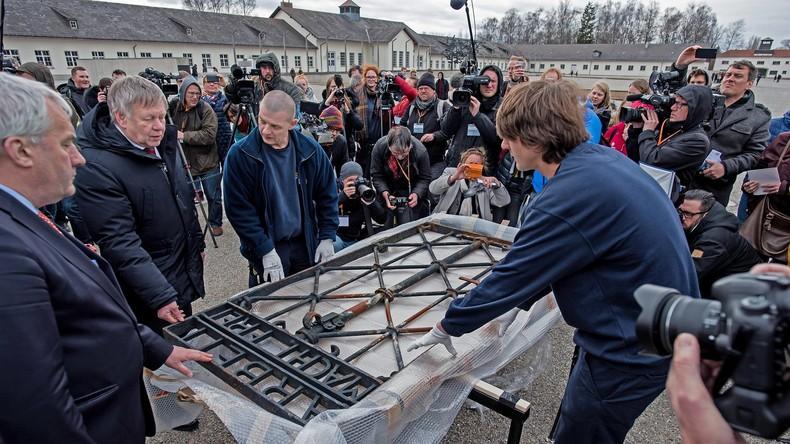 Historisches Tor des früheren KZs Dachau ist wieder zurück