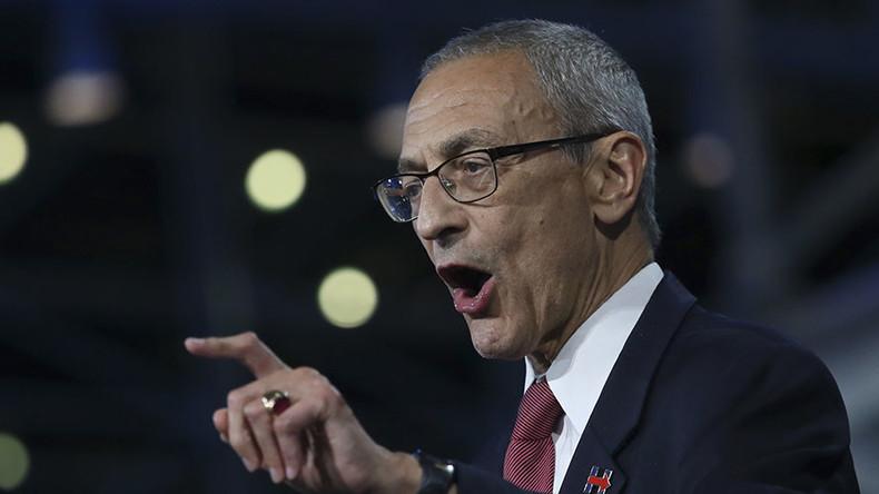 Podesta tritt nach: Clintons Ex-Wahlkampfmanager attackiert FBI
