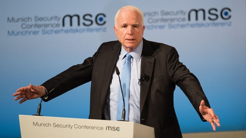 US-Senator McCain hält seine Rede auf der Münchner Sicherheitskonferenz 2017