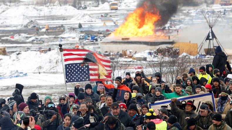 Wir sehen uns vor Gericht: Standing Rock Sioux verlassen Protestlager gegen Öl-Pipeline