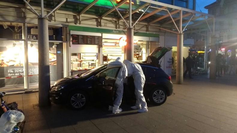Mann fährt in Heidelberg Fußgänger an: Drei Passanten verletzt