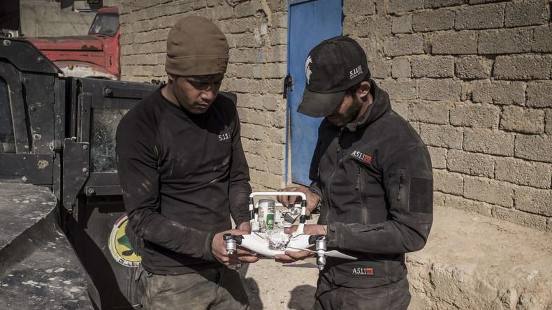 IS-Terroristen werfen mit Drohnen Granaten auf Regierungskräfte bei Mossul ab