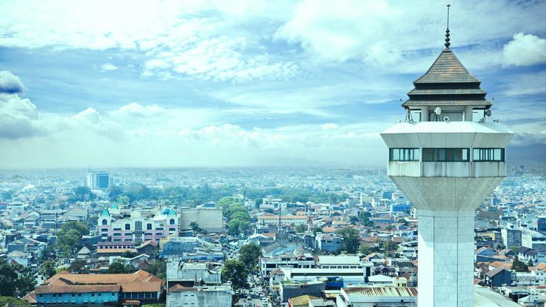 Explosion vor indonesischem Regierungsgebäude – Polizei schießt auf Täter