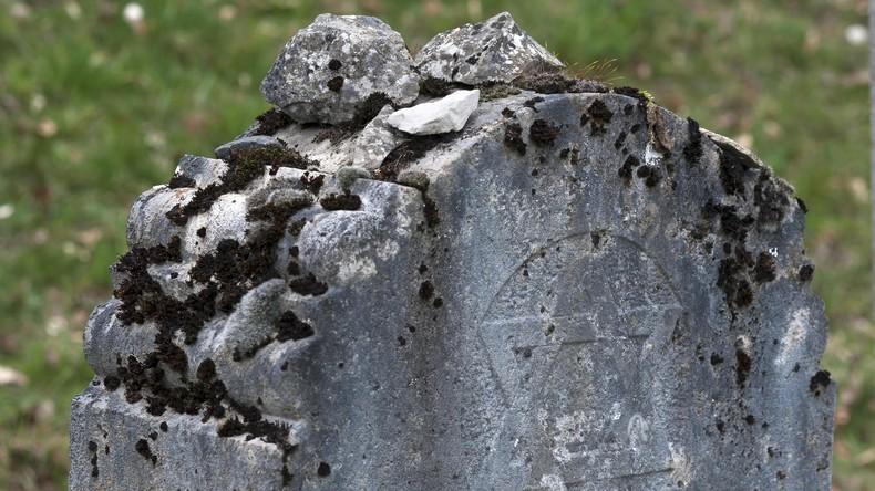 Randalierer beschädigen Gedenksteine auf jüdischem Friedhof in Philadelphia