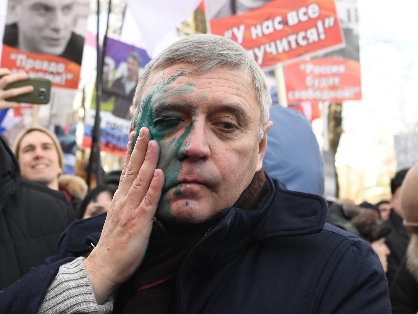 Gedenkmarsch für Boris Nemzow versammelt in Moskau rund 5.000 Aktivisten