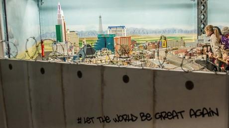 Mauer an der Grenze zwischen Mexiko und den USA existiert schon in Deutschland