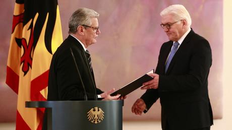 Vorgänger und Nachfolger: Noch-Bundespräsident Joachim Gauck verabschiedete Frank-Walter Steinmeier bereits aus seinem Ministeramt.