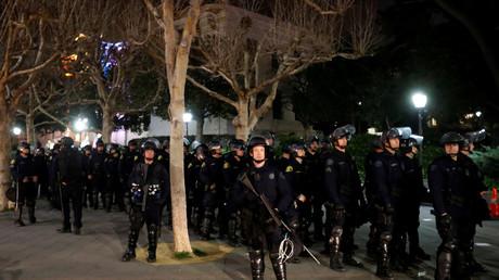 Das große Polizeiaufgebot konnte die Ausschreitungen nicht verhindern.