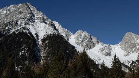 Gruppe von Skifahrern nach Lawinenabgang in italienischen Alpen vermisst