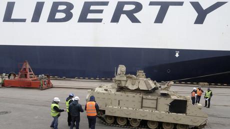 Bradley-Schützenpanzerwagen im Hafen von Riga, 2015