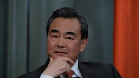 Chinas Außenminister Wang Yi warnte die neue US-Regierung davor, einen Konflikt zu schüren. Keiner würde davon profitieren, so Pekings Spitzendiplomat.