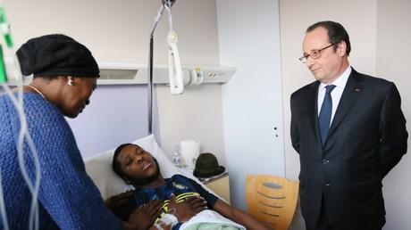 Der französische Staatspräsident François Hollande besuchte den Verletzen Théo L. im Krankenhaus.