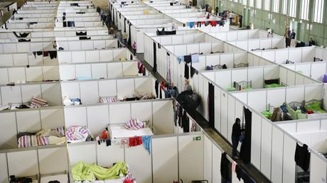 Die Flüchtlingsunterbringung in den Hangars des ehemaligen Flughafens in Berlin-Tempelhof