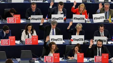 CETA nimmt letzte Hürde in Europa: EU-Parlament stimmt mit Ja ab