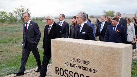 Frank Walter Steinmaier besuchte am 7. Mai 2015 Erinnerungsorte im ehemaligen Stalingrad, darunter einen deutschen Soldatenfriedhof. Ein Kniefall ähnlich jenem Willy Brandts im Jahre 1970 in Warschau ist bis jetzt in Russland ausgeblieben. Zu Hochzeiten der Krise war dies jedoch ein großer Schritt.