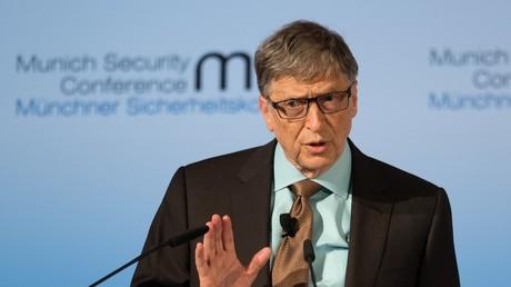 Bill Gates spricht auf der Münchner Sicherheitskonferenz.