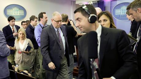 Draußen vor der Tür: Mehrere US-Journalisten durften nicht zu einem Briefing im Weißen Haus