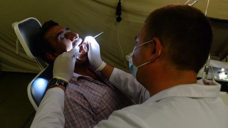 Russische Ärzte teilen ihre Erfahrungen Medizinstudenten in Aleppo mit