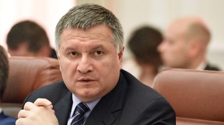 Ukrainischer Innenminister erzählt über Kiews Pläne zur Rücknahme von Donbass und Krim