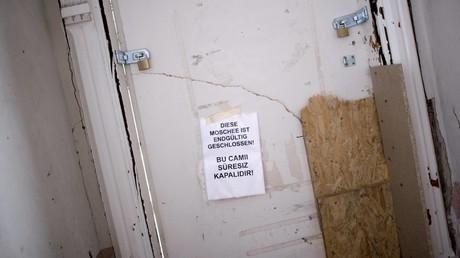 Großeinsatz der Polizei in Berlin: Innenbehörde verbietet Moschee-Verein
